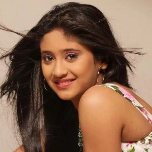 Shivangi Joshi Biography, Age, Height, Weight, Boyfriend, Family, Wiki & More