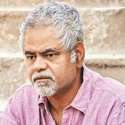 Sanjay Mishra Biography, Age, Wife, Children, Family, Caste, Wiki & More