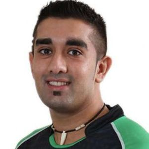Tabraiz Shamsi Biography, Age, Height, Weight, Girlfriend, Family, Wiki & More