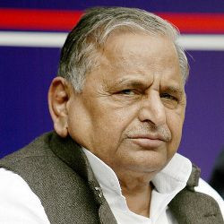 Mulayam Singh Yadav Biography, Age, Death, Wife, Children, Family, Caste, Wiki & More