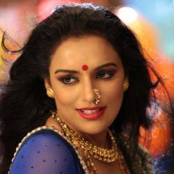 Shweta Menon Biography, Age, Husband, Children, Family, Caste, Wiki & More