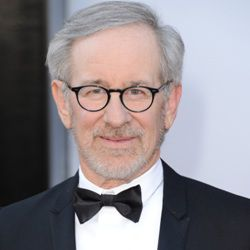 Steven Spielberg Biography, Age, Wife, Children, Family, Wiki & More