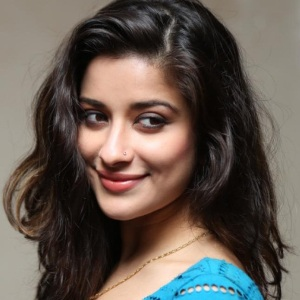 Madhurima Biography, Age, Height, Weight, Boyfriend, Family, Wiki & More