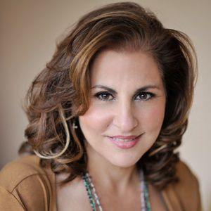 Kathy Najimy Biography, Age, Height, Weight, Family, Wiki & More