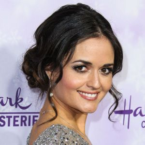 Danica McKellar Biography, Age, Height, Weight, Family, Wiki & More