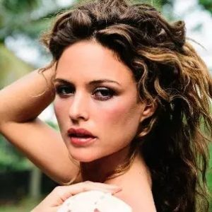 Josie Maran Biography, Age, Height, Weight, Family, Wiki & More