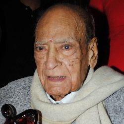 A. K. Hangal Biography, Age, Death, Wife, Children, Family, Wiki & More