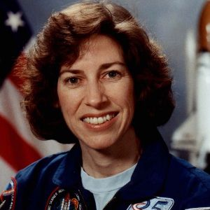 Ellen Ochoa Biography, Age, Height, Weight, Family, Wiki & More