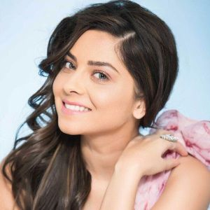 Sonalee Kulkarni Biography, Age, Height, Weight, Family, Caste, Wiki & More