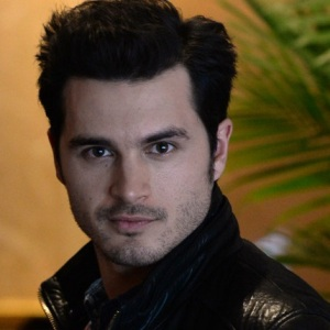 Michael Malarkey Biography, Age, Height, Weight, Family, Wiki & More