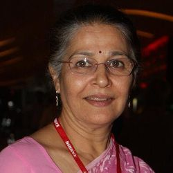 Suhasini Mulay Biography, Age, Husband, Children, Family, Caste, Wiki & More