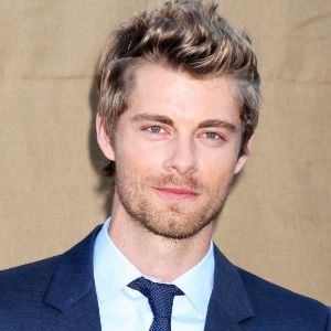 Luke Mitchell Biography, Age, Height, Weight, Family, Wiki & More
