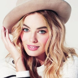 Margot Robbie Biography, Age, Height, Weight, Family, Wiki & More