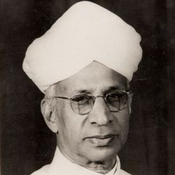 Sarvepalli Radhakrishnan Biography, Age, Death, Wife, Children, Family, Caste, Wiki & More