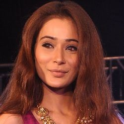 Sara Khan (TV Actress) Biography, Age, Ex-husband, Children, Family, Facts, Caste, Wiki & More