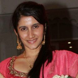 Smilie Suri Biography, Age, Husband, Height, Weight, Family, Caste, Wiki & More