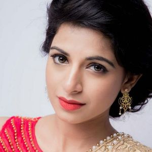 Iswarya Menon Biography, Age, Height, Weight, Boyfriend, Family, Wiki & More