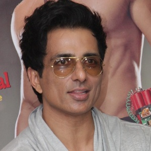 Sonu Sood Biography, Age, Wife, Children, Family, Caste, Wiki & More