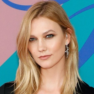 Karlie Kloss Biography, Age, Husband, Children, Family, Wiki & More