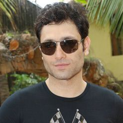 Shiney Ahuja Biography, Age, Height, Weight, Family, Caste, Wiki & More