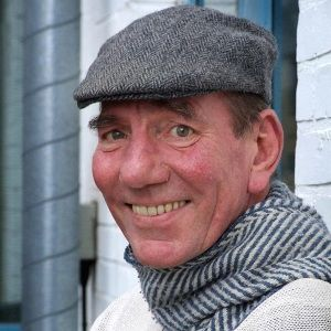 Pete Postlethwaite Biography, Age, Death, Height, Weight, Family, Wiki & More