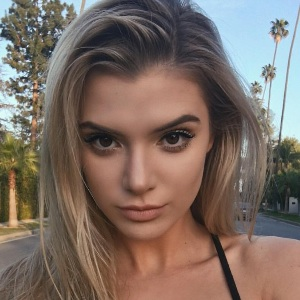 Alissa Violet Biography, Age, Height, Weight, Boyfriend, Family, Wiki & More