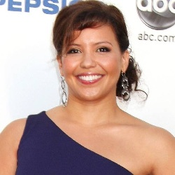 Justina Machado Biography, Age, Height, Weight, Family, Wiki & More
