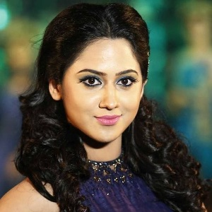 Miya George (Mia) Biography, Age, Height, Weight, Fiance, Family, Wiki & More