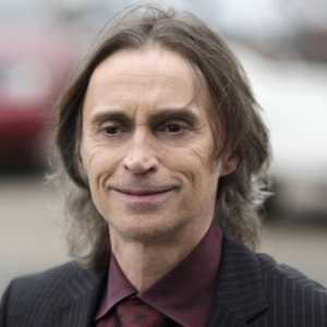 Robert Carlyle Biography, Age, Height, Weight, Family, Wiki & More