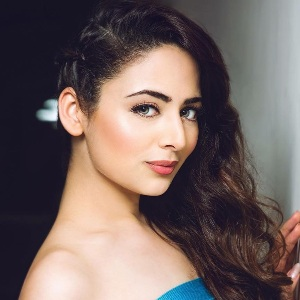 Zoya Afroz Biography, Age, Height, Weight, Family, Caste, Wiki & More