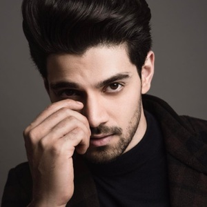 Sooraj Pancholi Height, Weight, Age, Mother, Family, Wiki & More