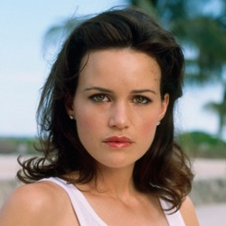 Carla Gugino Biography, Age, Height, Weight, Family, Wiki & More