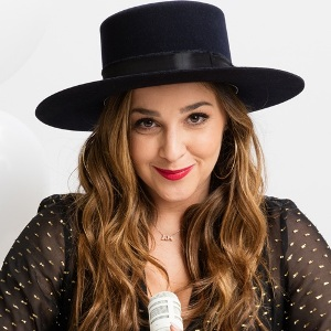Alisan Porter Biography, Age, Height, Weight, Family, Wiki & More