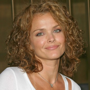 Dina Meyer Biography, Age, Height, Weight, Family, Wiki & More