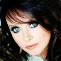 Sarah Brightman Biography, Age, Height, Weight, Family, Wiki & More