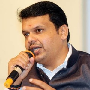 Devendra Fadnavis Biography, Age, Wife, Children, Family, Caste, Wiki & More
