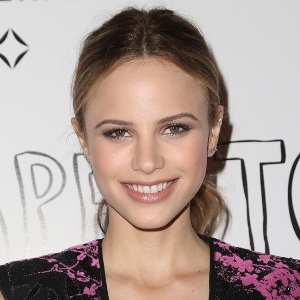 Halston Sage Biography, Age, Height, Weight, Family, Wiki & More