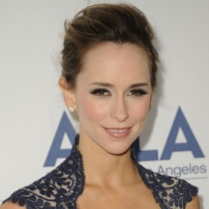 Jennifer Love Hewitt Biography, Age, Height, Weight, Family, Wiki & More