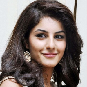 Isha Talwar Biography, Age, Height, Weight, Boyfriend, Family, Wiki & More