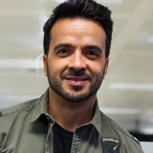 Luis Fonsi Biography, Age, Wife, Children, Family, Wiki & More