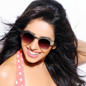 Asha Negi (Actress) Biography, Age, Height, Weight, Boyfriend, Family, Wiki & More