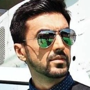 Aashish Chaudhary Biography, Age, Wife, Children, Family, Caste, Wiki & More