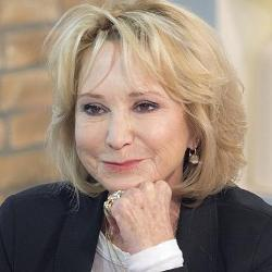 Felicity Kendal Biography, Age, Height, Weight, Family, Wiki & More