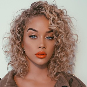 Jasmine Sanders Biography, Age, Height, Weight, Boyfriend, Family, Wiki & More