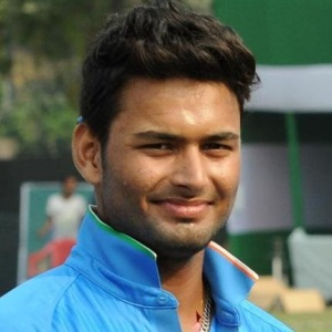 Rishabh Pant Biography, Age, Height, Weight, Girlfriend, Family, Wiki & More