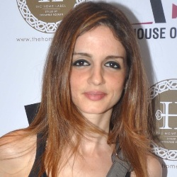 Sussanne Khan Biography, Age, Wife, Children, Family, Caste, Wiki & More