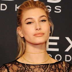 Hailey Baldwin Biography, Age, Husband, Children, Family, Wiki & More
