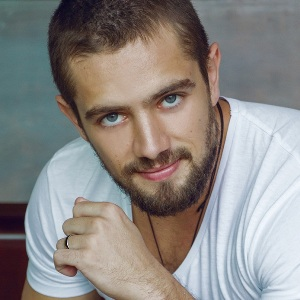 Rafael Cardoso Biography, Age, Height, Weight, Family ...