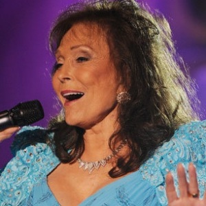 Loretta Lynn Biography, Age, Height, Weight, Husband, Children, Family, Facts, Wiki & More