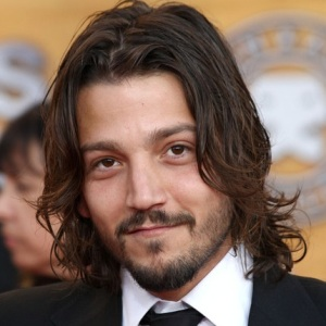 Diego Luna Biography, Age, Height, Weight, Family, Wiki & More